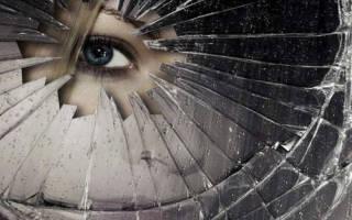 Что делать, если разбилось зеркало случайно: к чему это, толкования, основные действия