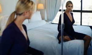 Почему нельзя вешать зеркало в спальне