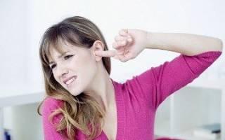 К чему чешется левое ухо – значение приметы