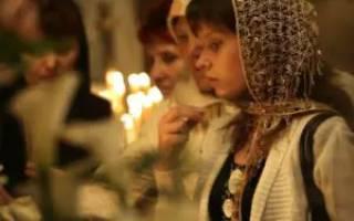 Можно ли с месячными ходить в церковь: что говорят священники