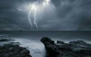 Сонник, к чему снится гроза: с молниями, с дождем, гроза на улице во сне